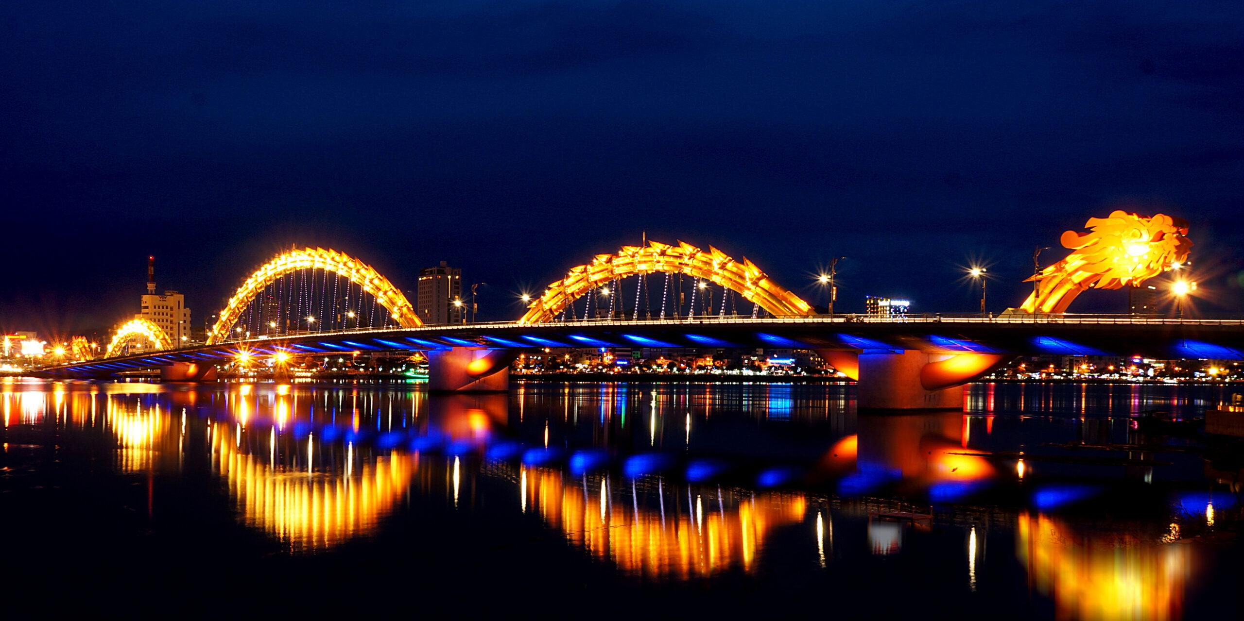"""Top những cây cầu """"xinh lung linh"""" nổi tiếng bậc nhất tại Đà Nẵng"""